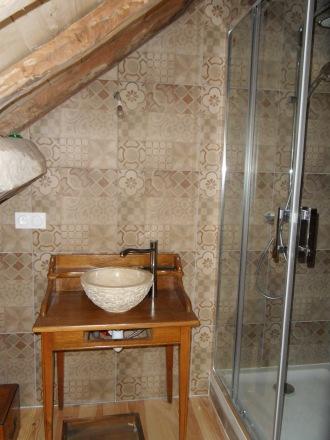 Salle d'eau combles gîte