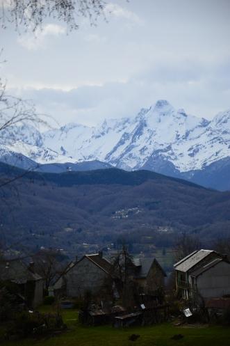Le village des Eycharts et le Mont Valier