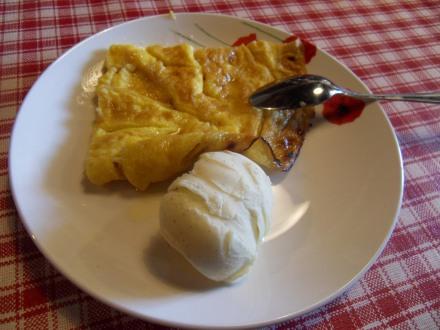 Un bon mariage: omelette flambée et glace vanille