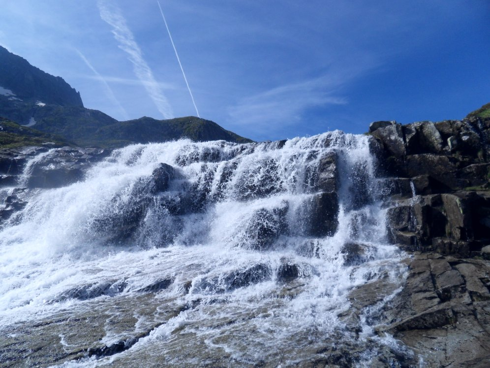 Cascade, ruisseau de montagne