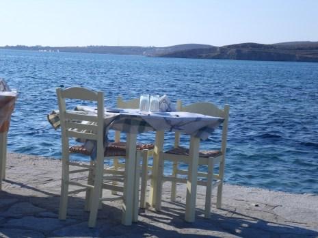 petit restaurant au bord de l'eau