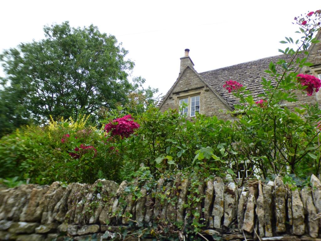 Maisons coquettes bien fleuries
